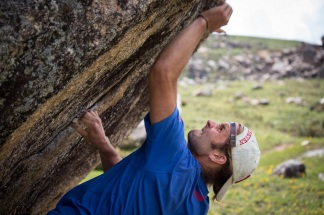 Trying hard on a V6 Photo: Chris Miller
