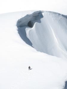 Unroped glacier travel