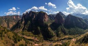 Li Mings West Valley. Showing Pandora and Lisu Climbing areas. Photo: Garrett Bradley