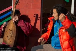 Zhoulei talking music with a Lisu